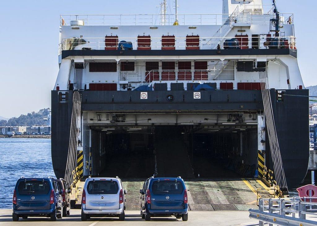 Transporte de coches en roro desde Península a Baleares
